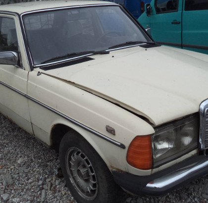 stare auto po wypadku