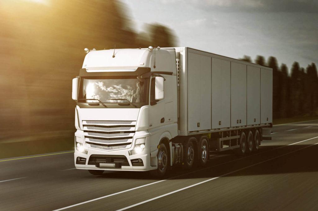 biały samochód ciężarowy