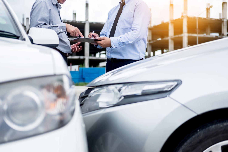 Czy samochód na złom musi posiadać ważne opłaty?
