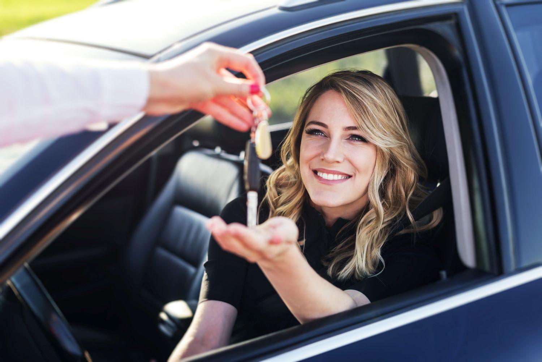 Formalności po sprzedaży samochodu – czyli co zrobić krok po kroku?