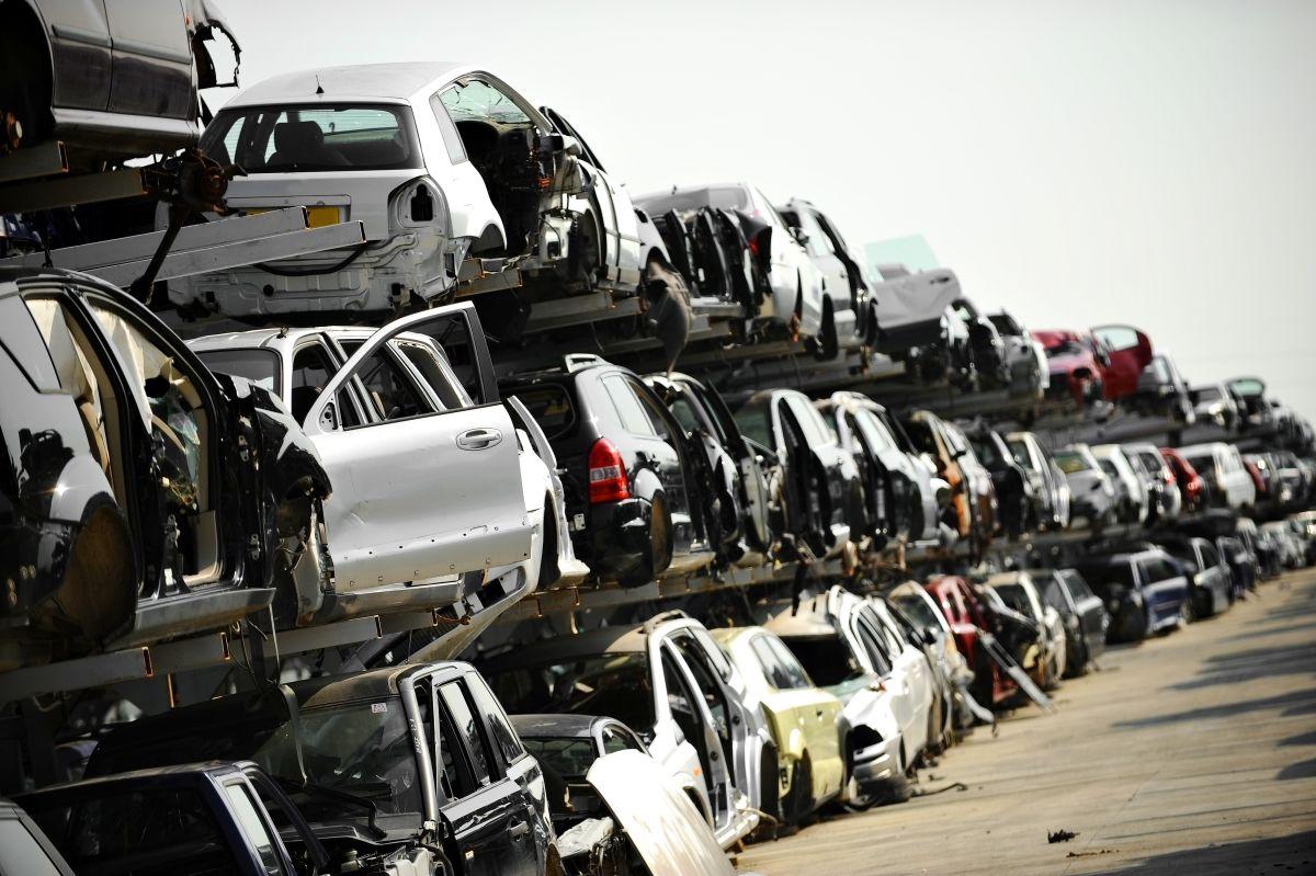 Złomowanie auta niekompletnego lub zdekompletowanego – jak to wygląda w praktyce